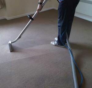 чистка ковров в офисных помещениях города Сургут и Сургутского района - какие технологии использует фирма Good Service, сколько это стоит