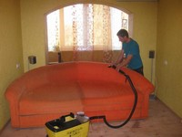 выездная химчистка мягкой мебели (диванов и кресел) в Сургуте и Сургутском районе
