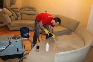 чистка диванов на звездном